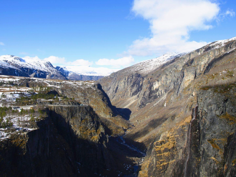 Kaňon řeky Bjoreio pod vodopádem