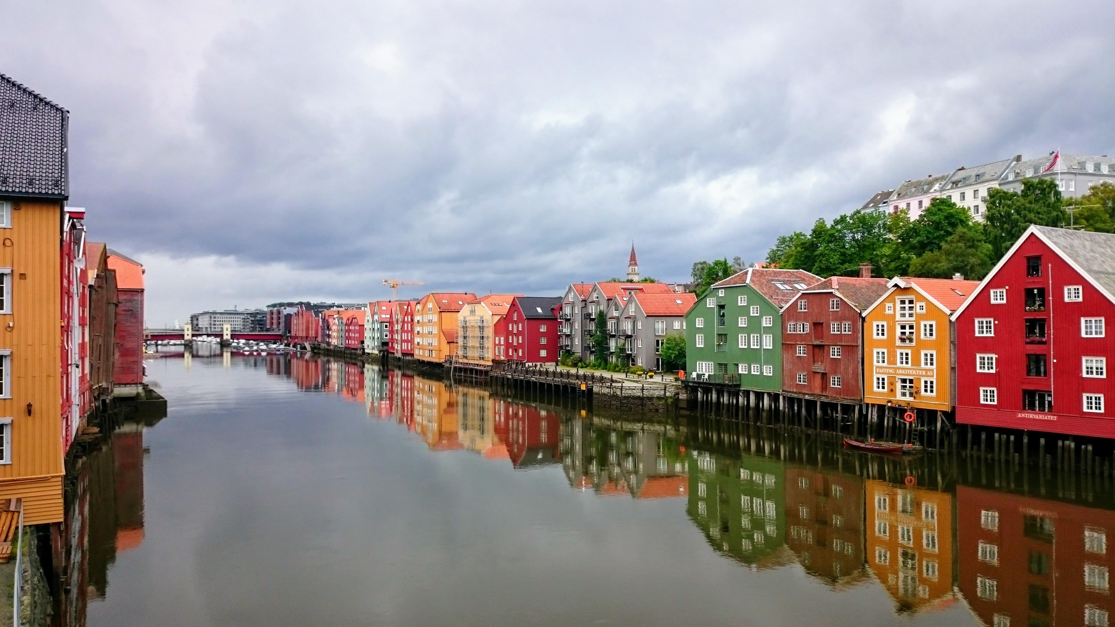 Domy na pilotech v Trondheimu