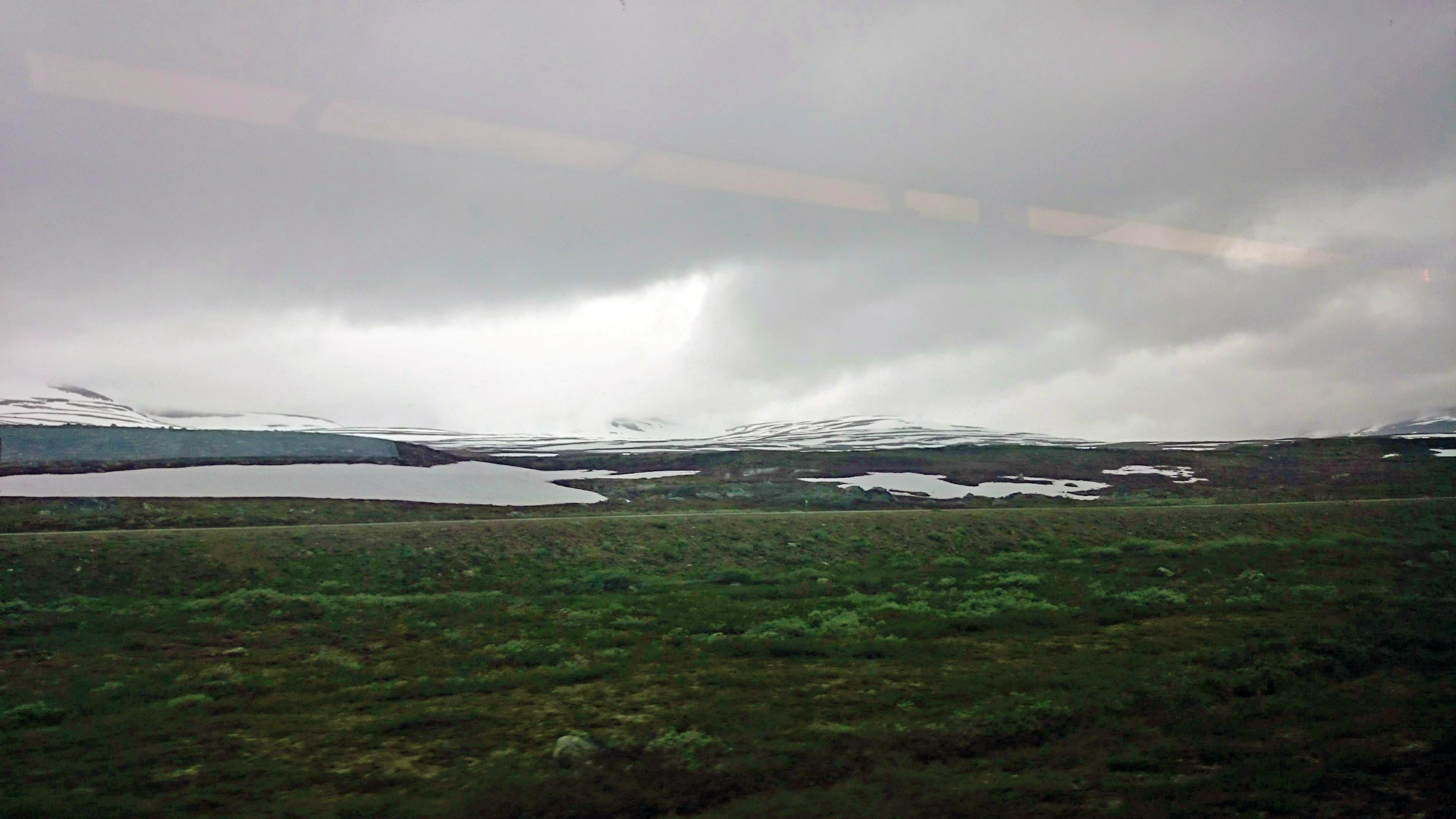 Přejezd polárního kruhu na cestě vlakem