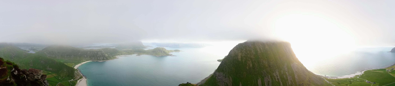 Panorama na vrcholu Mannen