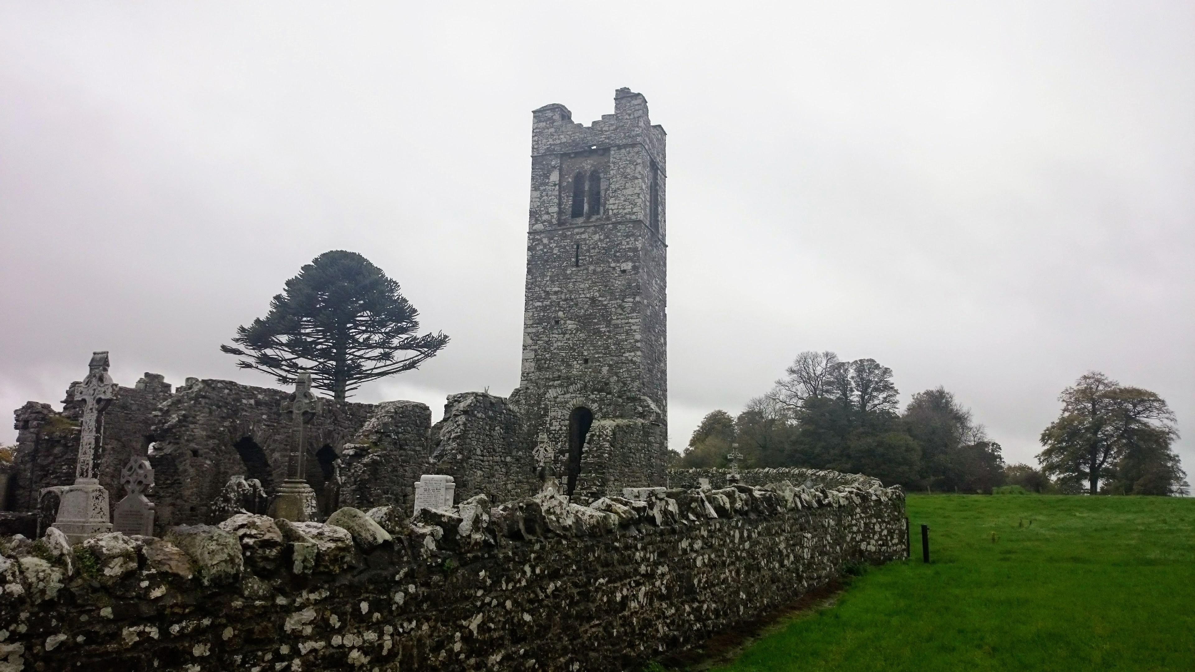 Pozůstatky kostelu na Hill of Slane