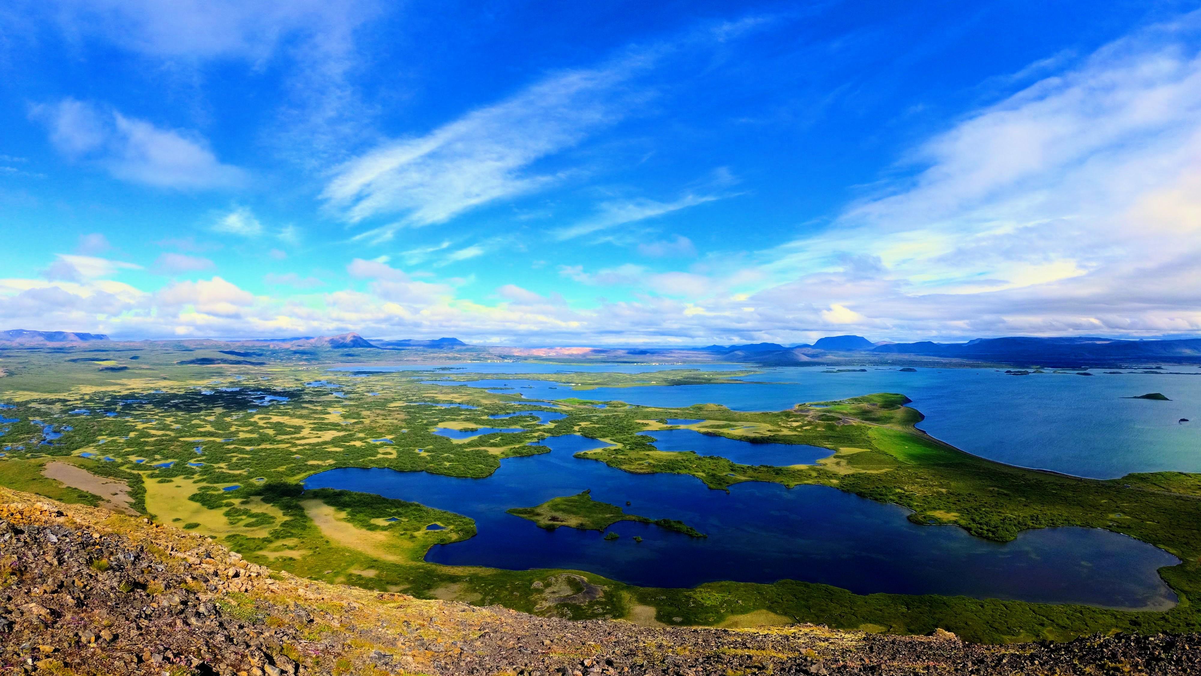 Výhled na jezero Mývatn z hory Vindbelgjalfjall