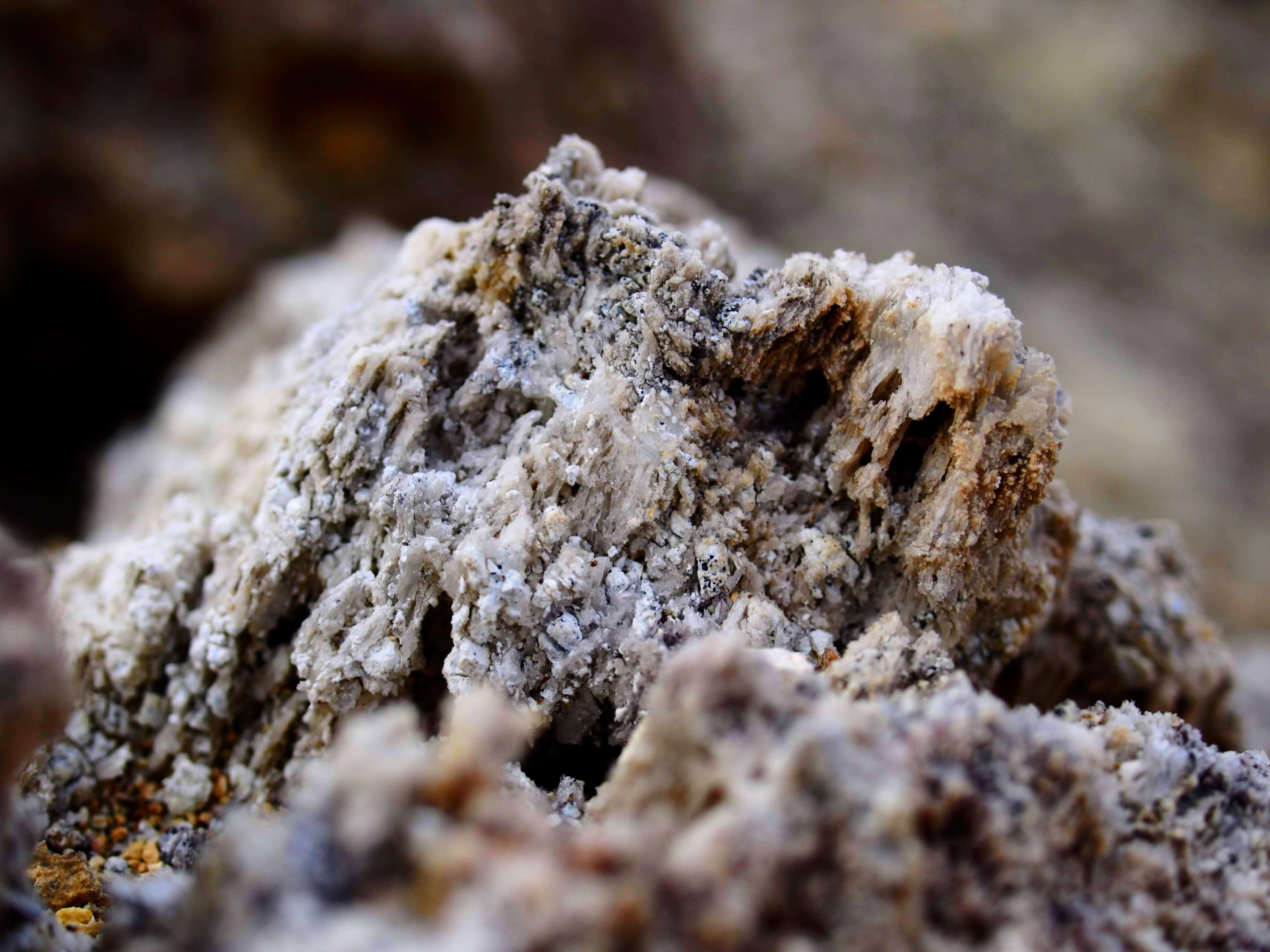Podivné tvary kamenů, Námafjall