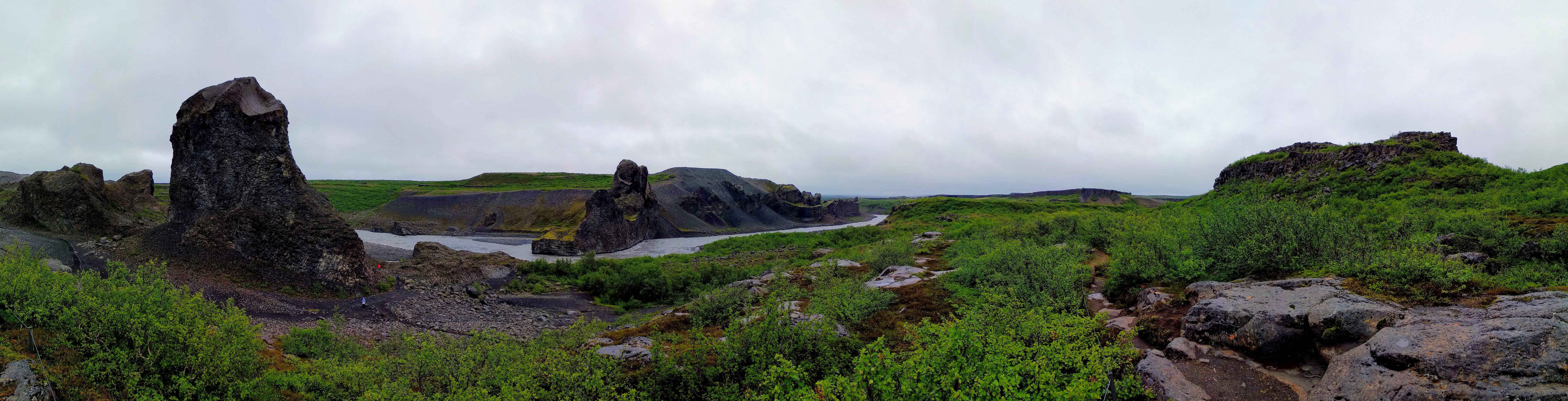 Skalní útvary u řeky Jökulsá á Fjöllum