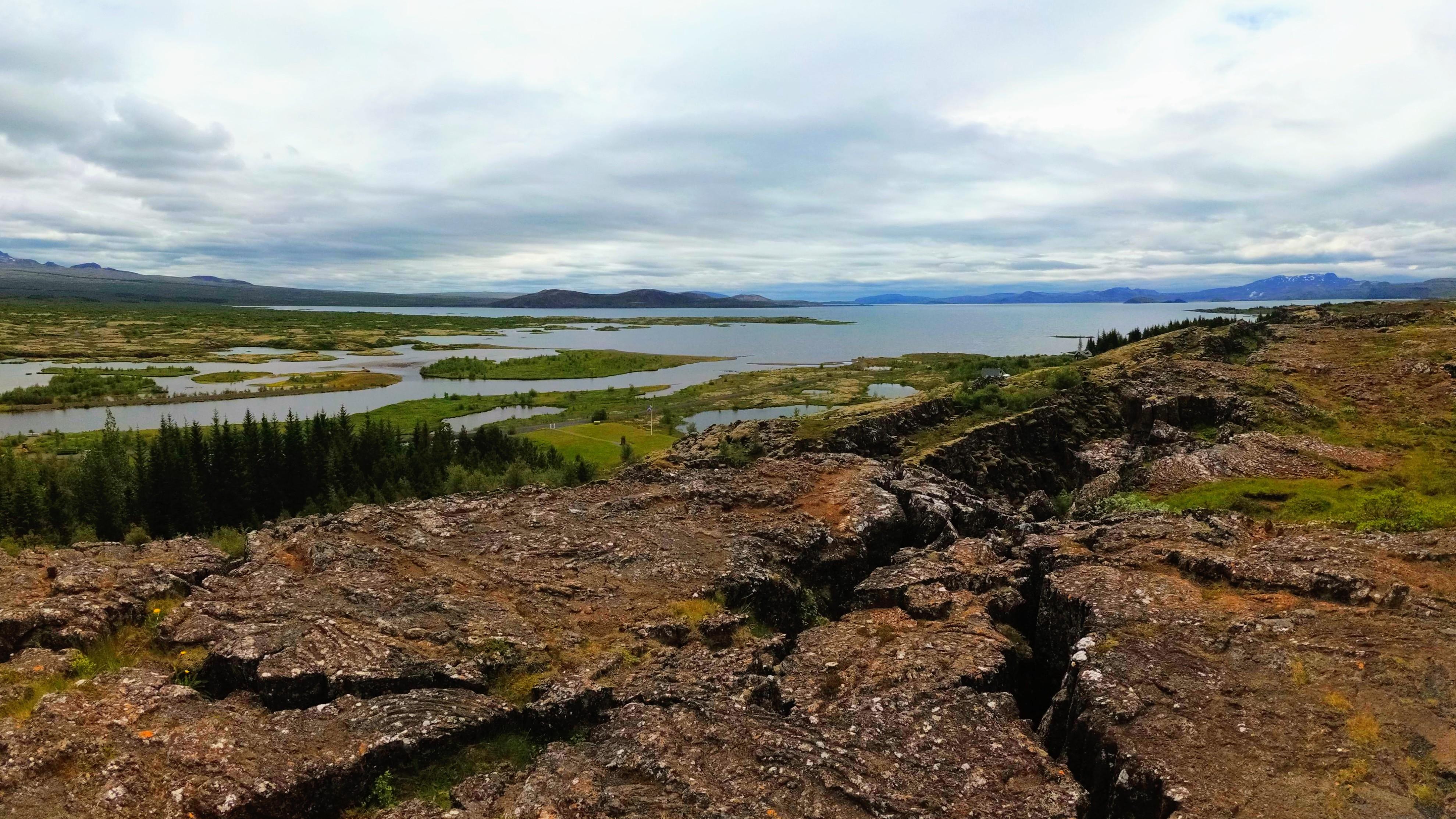 Evropská a americká deska v národním parku Þingvellir