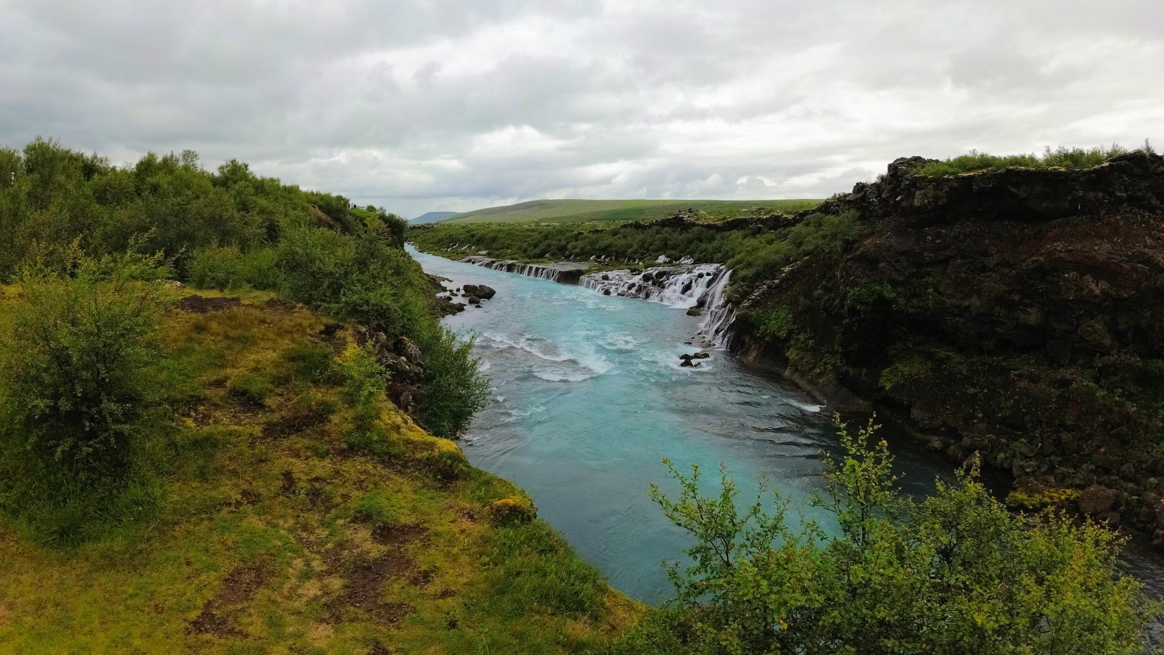 Vodopády Hraunfossar