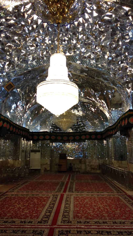 Zrcadlová síň v mešitě Šáh Čerag
