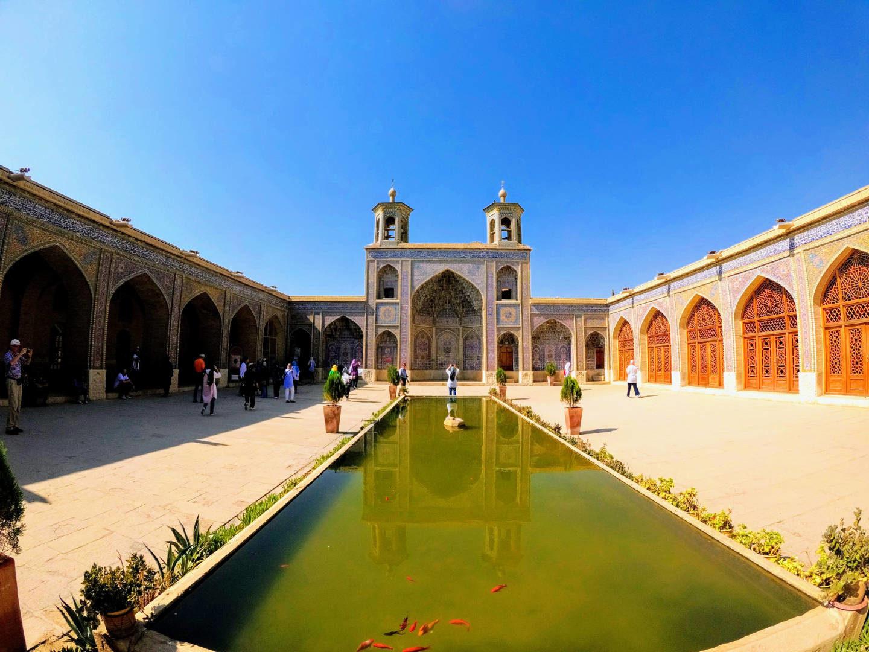 Írán – Šíráz, Persepolis a Abarkooh (3)