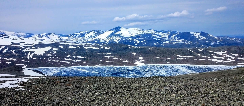 Zamrzlé jezero Bessvatnet