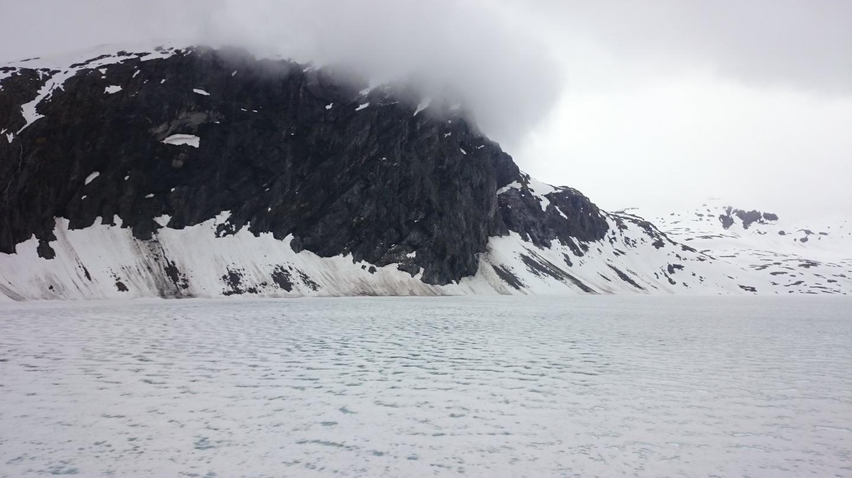 Zamrzlé jezero Djupvatnet