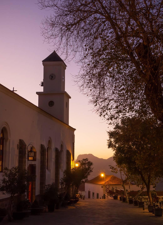Kostel v Tejedě po západu slunce