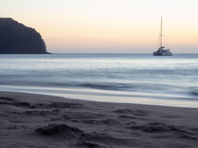 Západ slunce na pláži Sardina