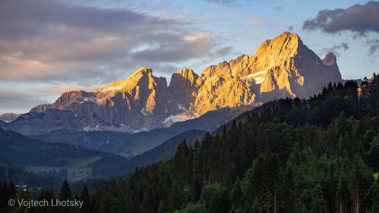 Pozorujeme západ slunce z vesničky Neuberg