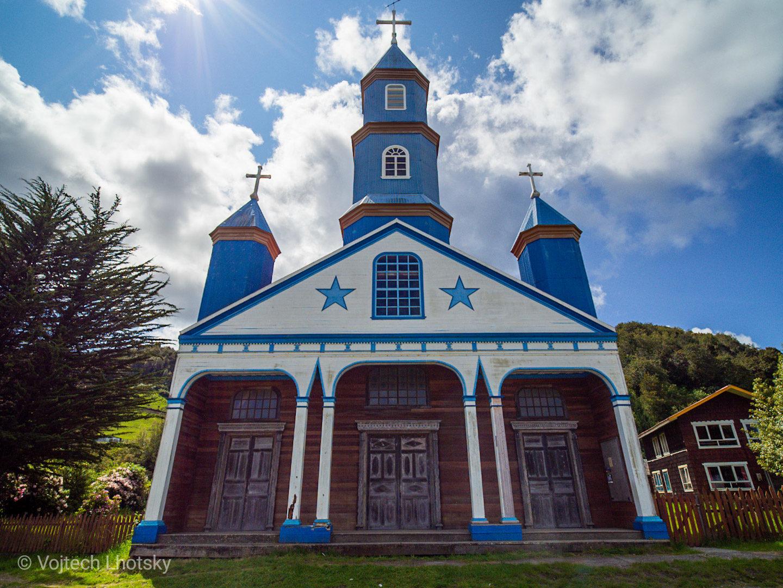 Kostel v Tanúnu