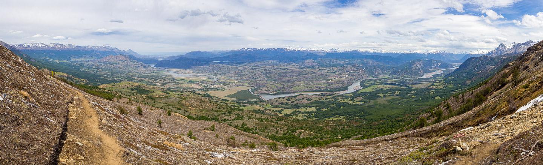 Panorama při výstupu k laguně Cerro Castillo