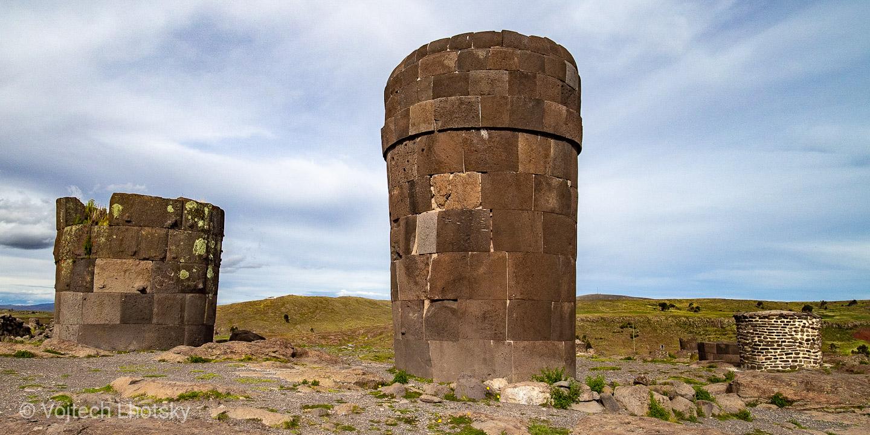Pohřební věže Sillustani