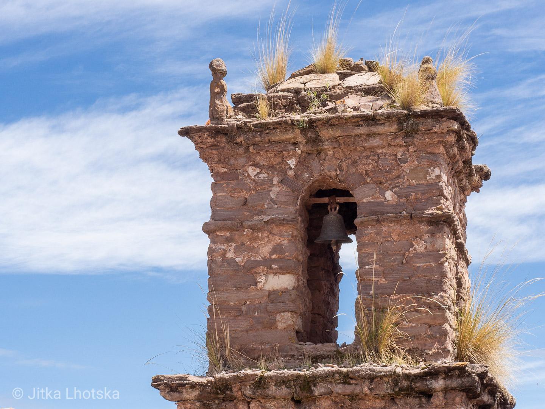 Zvonička na ostrově Taquile