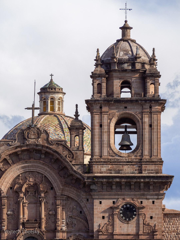 Kostel na náměstí v Cuzcu