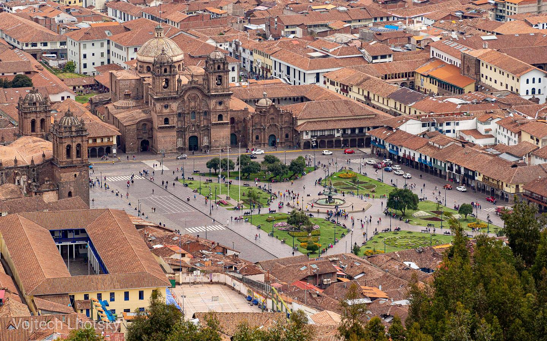 Plaza de Armas v Cuzcu