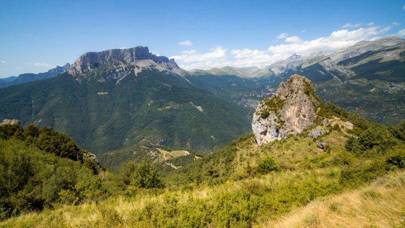 Pohled od vesničky Tella na NP Ordesa y Monte Perdido